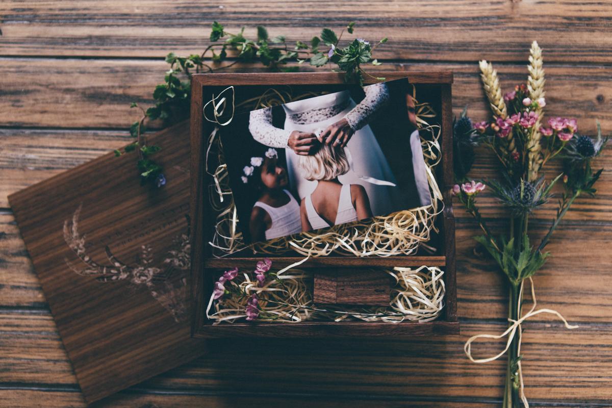 Tarifs photographe mariage Seine et Marne coffret avec tirages