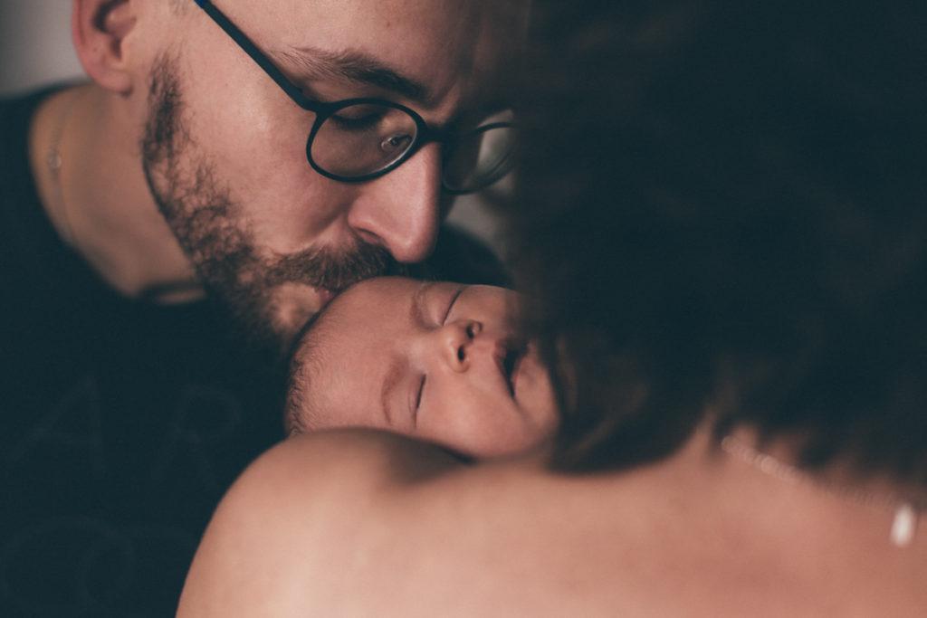 papa et maman bébé lifestyle