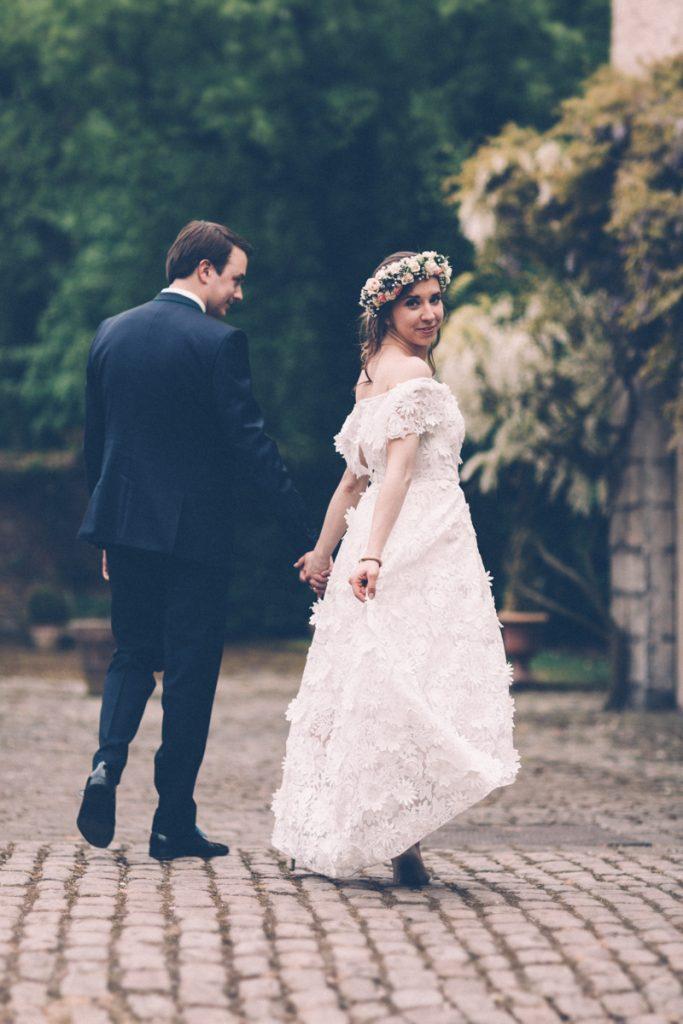 mariés bohème au chateau du vert bois qui marchent