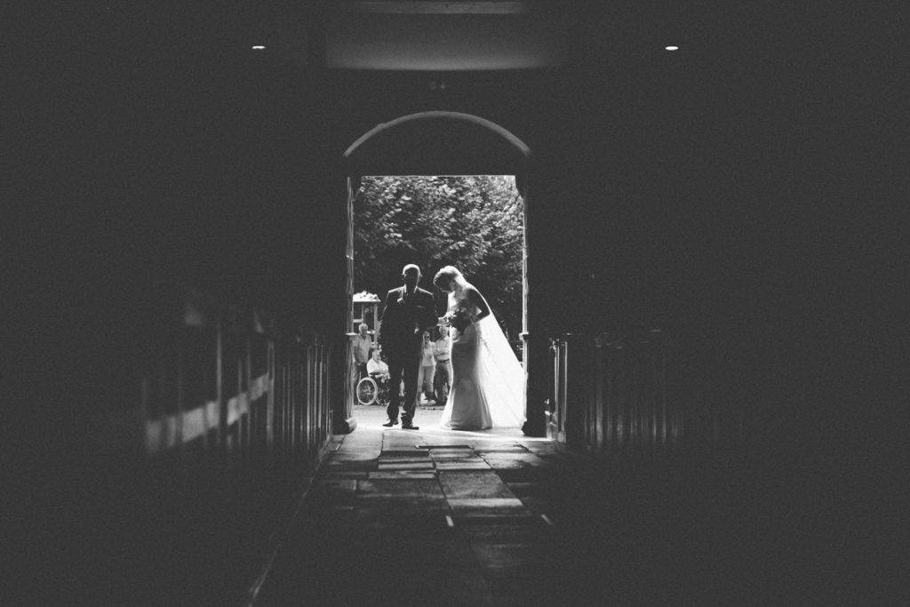 Eglise Saint Martin de Plailly entrée de la mariée