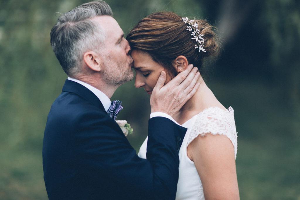 photographe mariage oise photo de couple baiser