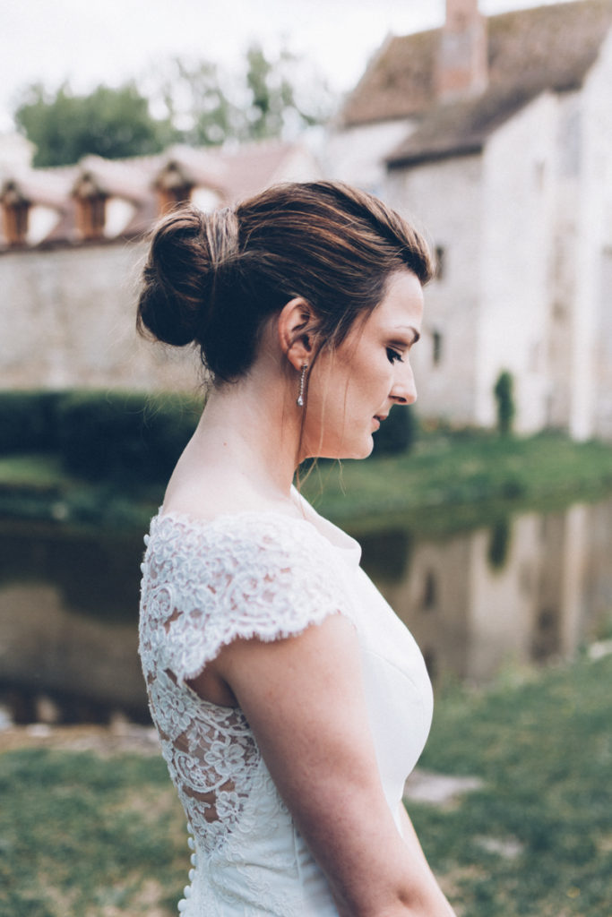 Mariage dans l'Oise mariée posant pour les photos