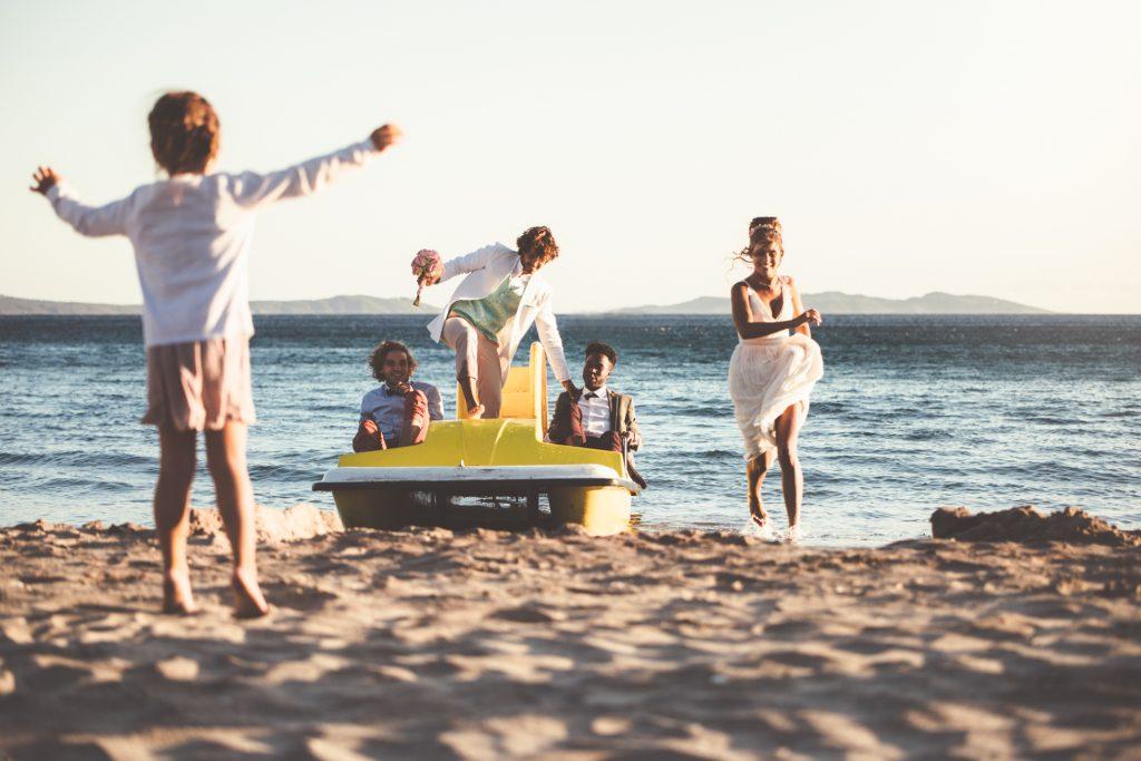 photographe mariage cavalaire sur mer plage du rayol pédalos