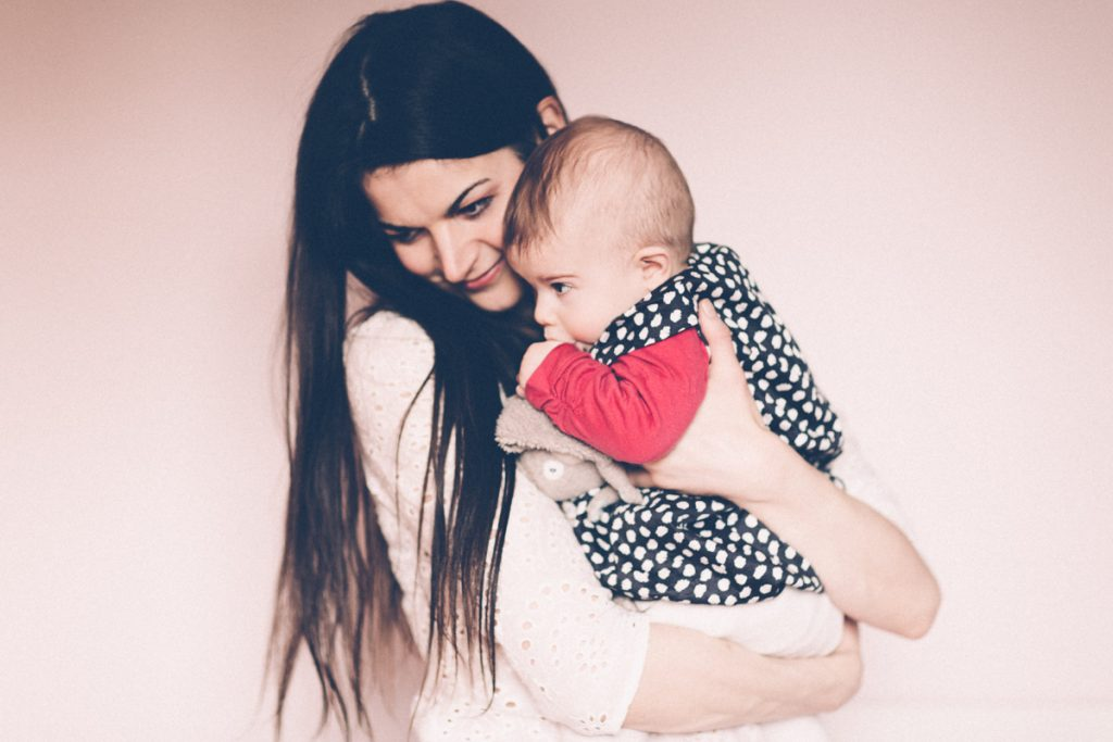 Photographe Lifestyle maman et bébé