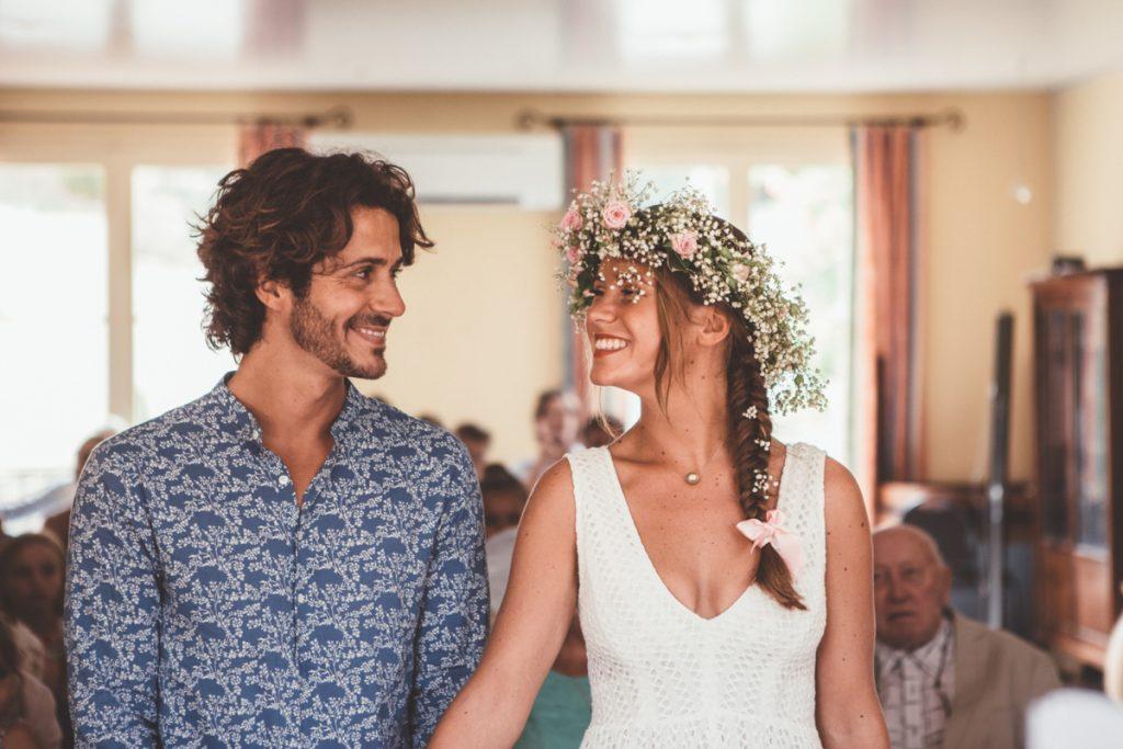 Mariage dans le Var photo des mariés a la mairie