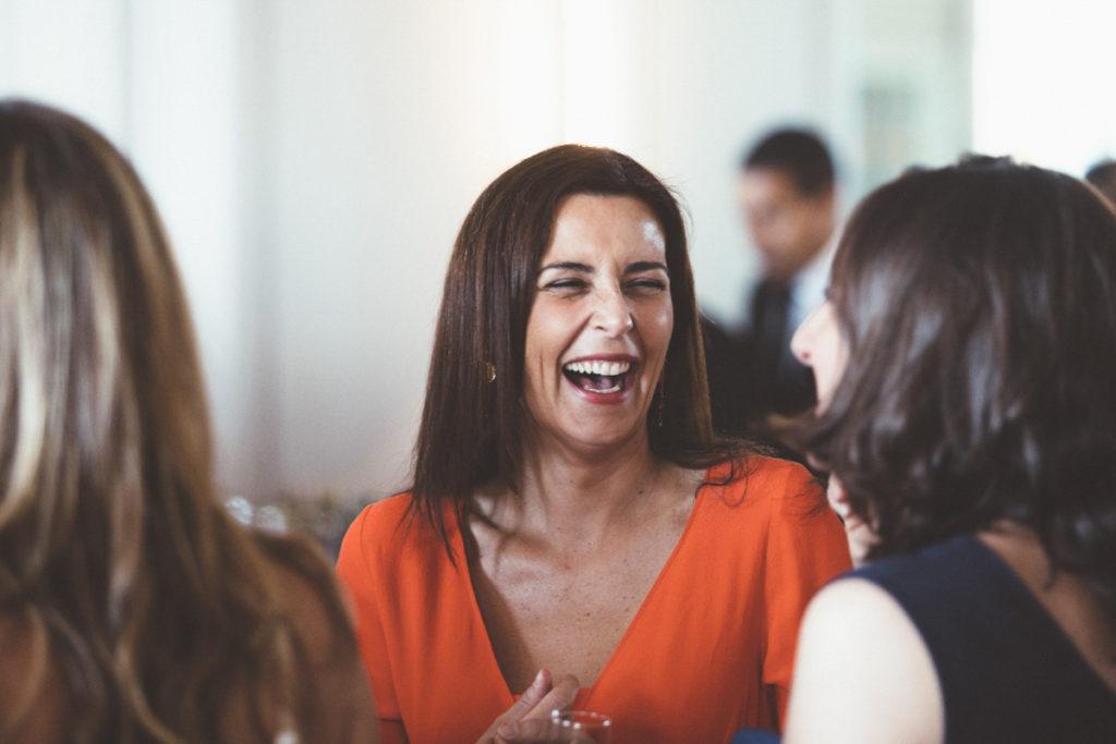 sourire invitée mariage