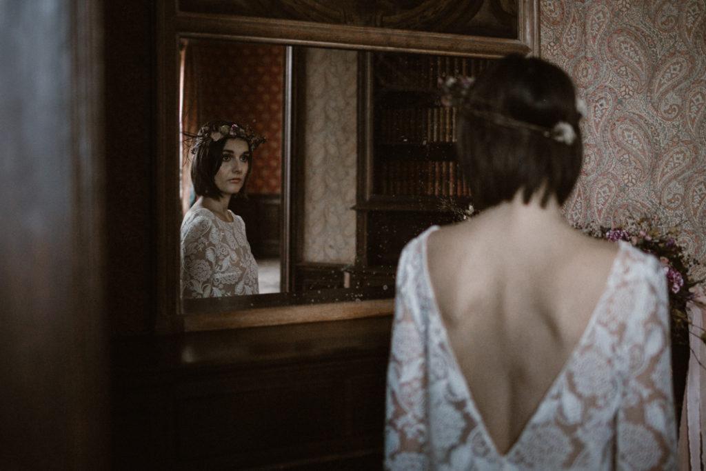 château de chambly mariée devant miroir