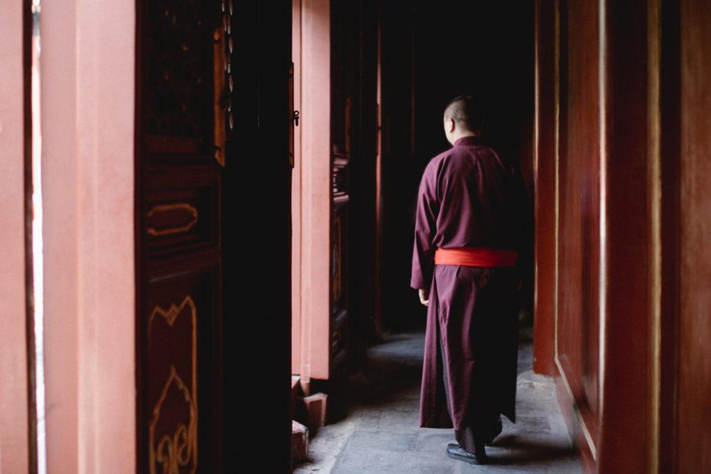 visiter pekin moine dans le temple du lama