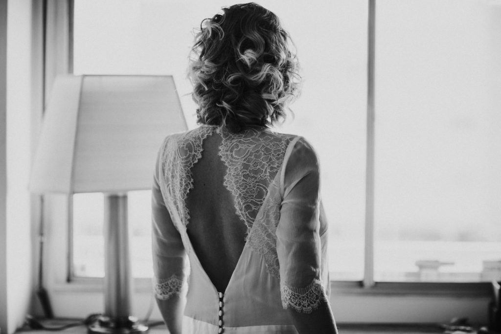Photographe Mariage Boulogne Billancourt mariée enceinte noir et blanc
