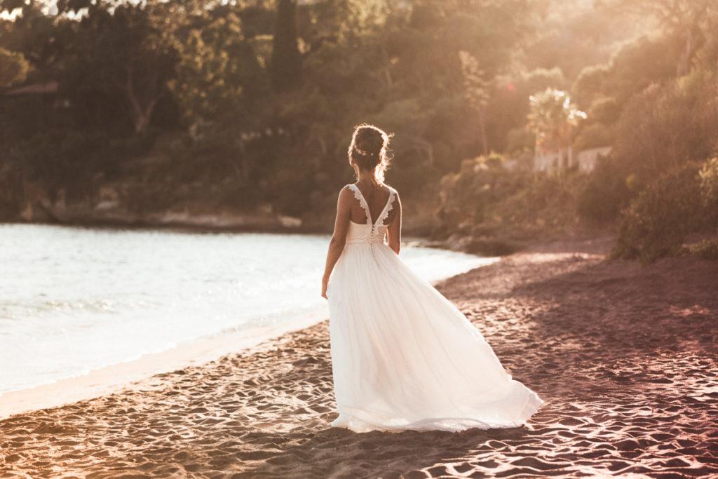 Photographe Mariage Aix en Provence mariée plage sunset