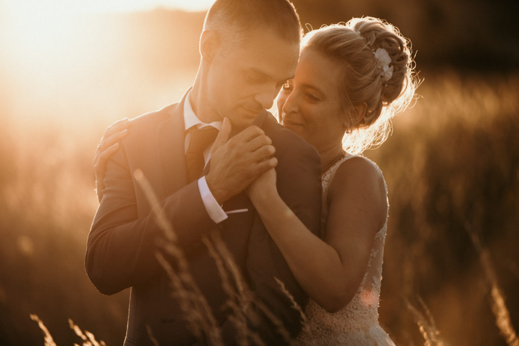 Photographe Mariage Provence photo champ de blé soleil couchant