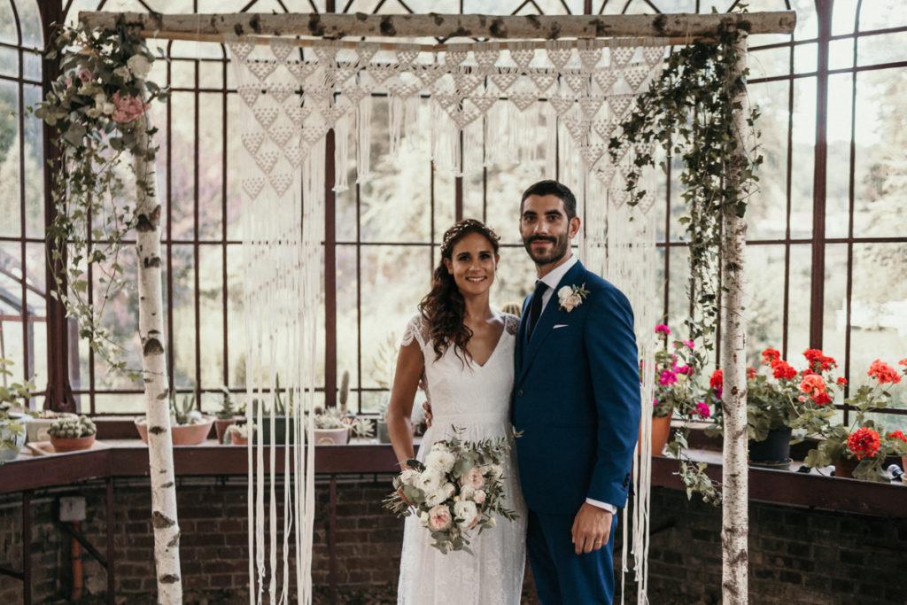 Photographe Mariage Domaine de Verderonne photo mariés sous la serre verderonne