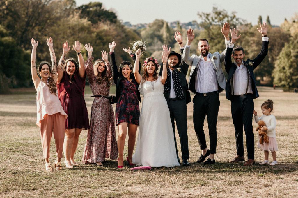 photo de groupe fun et cool mariage