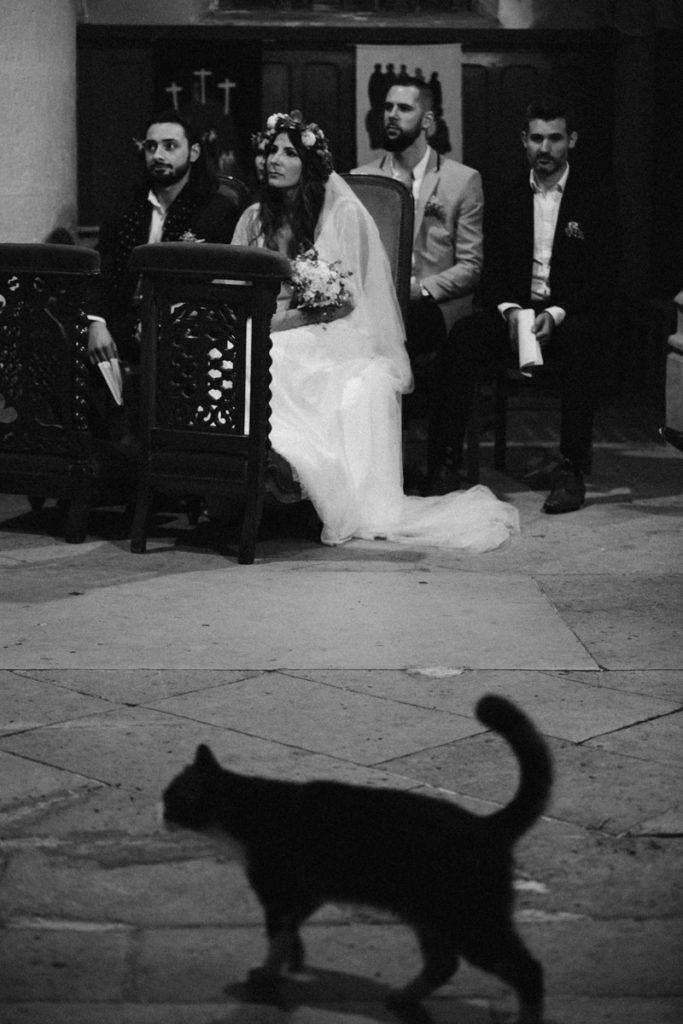 chat eglise mariage noir et blanc