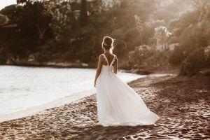 Mariée sur la plage du rayol