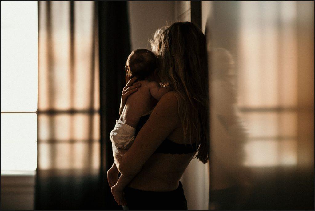 Tarif séance photo famille photo femme avec bébé