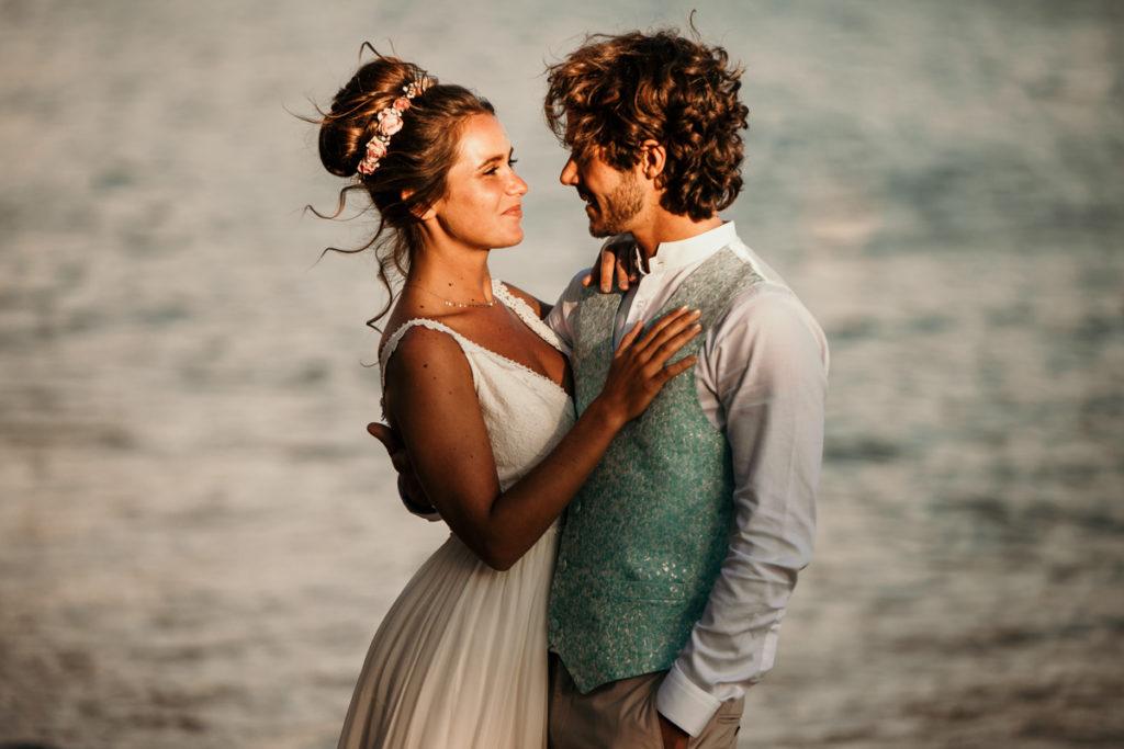 Les objectifs Tamron en mariage photo devant la mer au 70-200